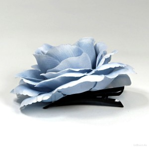 AB-269 Haarrose, Ansteckrose in hell-taubenblau, Ø 12 cm, Höhe ca. 4,5 cm