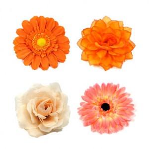 Ansteckblüten und Ansteckrosen in den Farbe orange und apricot